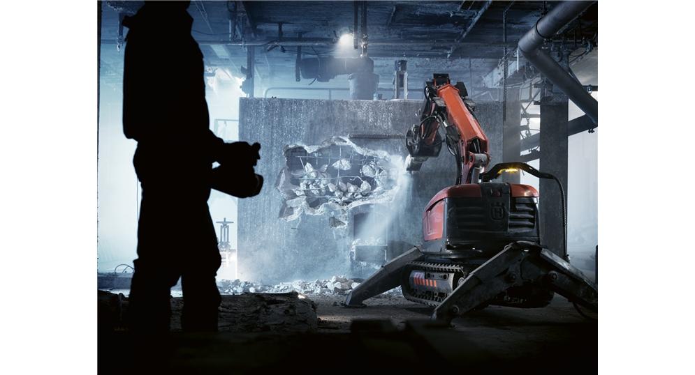 DXR 310 demolition