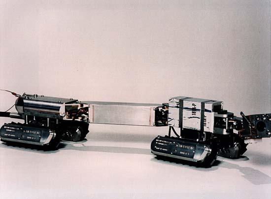 Side view of the pipe crawler