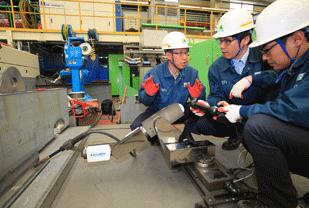 Hyundai mini welding robot